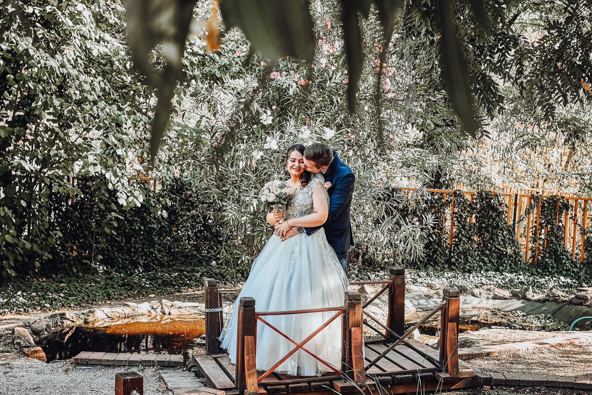 Betti és Roland esküvői kreatív fotózás